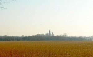 Вид на село Стромынь с поля у СНТ